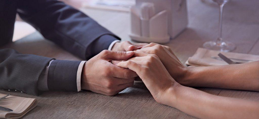 """""""Nur eine Partnervermittlung, die viel Werbung betreibt, kann Singles zufriedenstellen"""""""